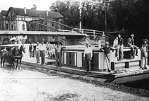 The Hurry Up boat at Lyons