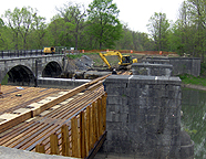 Nine Mile Creek Aqueduct restoration - View of the trunk supports