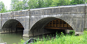 Nine Mile Creek Aqueduct restoration - The towpath arches from the north